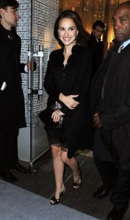 Natalie Portman [1000x1689] [211.18 kb]