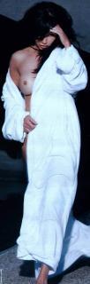 Shannen Doherty en Playboy [575x1791] [62.86 kb]