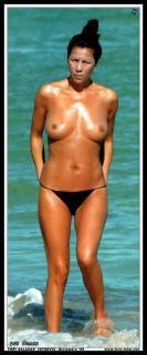 Azúcar Moreno en Topless [523x1254] [93.82 kb]