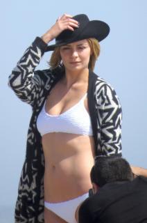Mischa Barton en Bikini [1277x1920] [430.65 kb]
