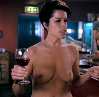 Neve Campbell Nude [815x793] [50.94 kb]