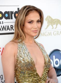 Jennifer Lopez [2391x3264] [944.93 kb]