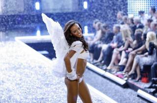 Victorias Secret Show 2006 [1200x791] [134.59 kb]