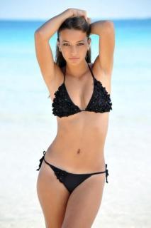 Albania Sagarra in Bikini [466x700] [33.58 kb]