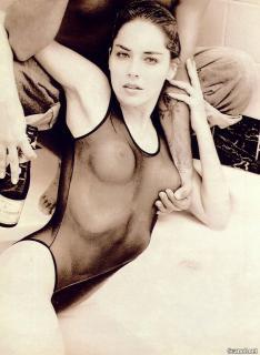 Sharon Stone in Playboy Nude [1184x1618] [277.09 kb]