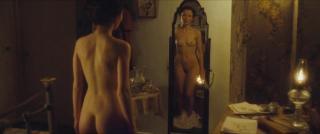 Emily Browning Desnuda [1280x536] [41.03 kb]