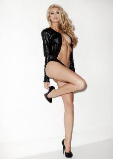 Kat Torres [427x600] [16.9 kb]