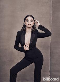 Selena Gomez [900x1237] [201.31 kb]