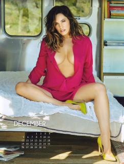 Kelly Brook en Calendario 2016 [3000x3941] [2683.39 kb]