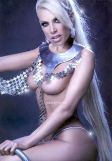 Lorena Herrera en Playboy Desnuda [867x1248] [136.32 kb]