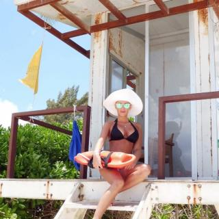 Laura Gadea en Bikini [1080x1080] [180.36 kb]