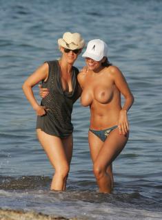 Rebecca Loos en Topless [1750x2382] [513.79 kb]