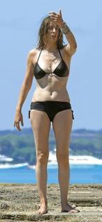 Sandra Barneda en Bikini [368x800] [74.09 kb]
