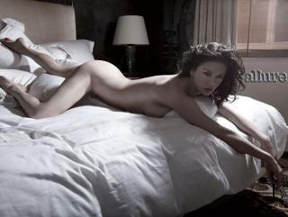 Catherine Zeta Jones [656x496] [42.85 kb]