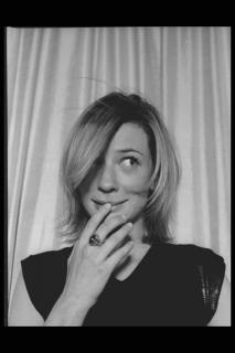 Cate Blanchett [2048x3072] [469.16 kb]