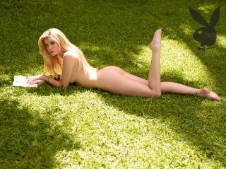 Bárbara Evans in Playboy [1087x814] [361.64 kb]