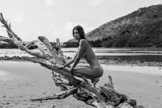 Katelyn Pascavis Desnuda [1000x667] [209.05 kb]