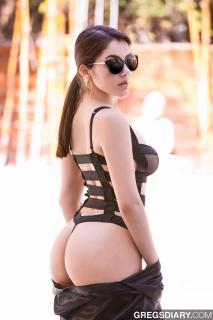 Valentina Nappi [1067x1600] [179.87 kb]