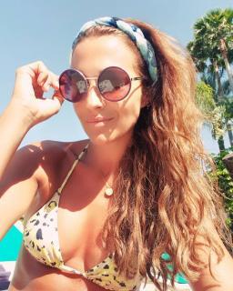 Paula Echevarría en Bikini [1080x1350] [284.93 kb]