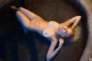 Irina Voronina en Playboy Desnuda [1280x853] [141.35 kb]