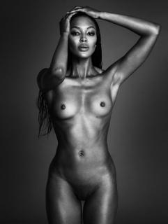 Naomi Campbell Desnuda [754x1000] [84.94 kb]