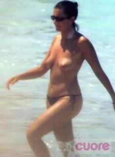 Silvia Abril en Topless [368x500] [29.65 kb]