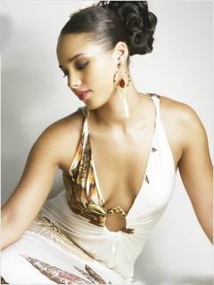 Alicia Keys [1110x1476] [138.92 kb]