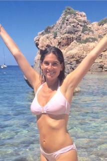 Lourdes Montes en Bikini [536x800] [120.84 kb]