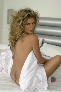 Rachel Hunter [683x1024] [64.22 kb]