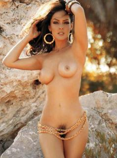 Andrea García en Playboy [967x1296] [145.22 kb]