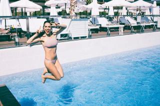 Cristina Brondo en Bikini [1080x718] [205.52 kb]