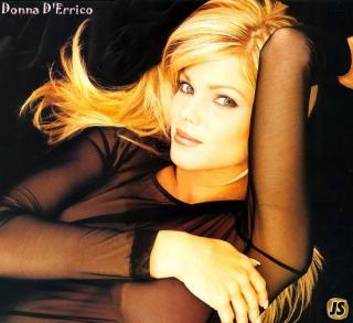 Donna D'Errico [838x768] [103.96 kb]