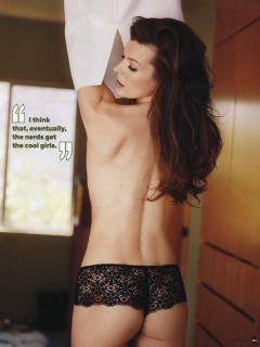 Milla Jovovich [680x800] [53.84 kb]