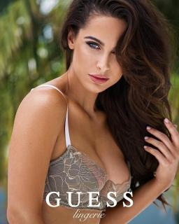 Ellie Gonsalves in Guess [1080x1349] [253.72 kb]