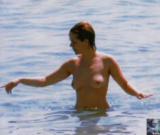 María Adánez en Topless [1154x975] [123.01 kb]