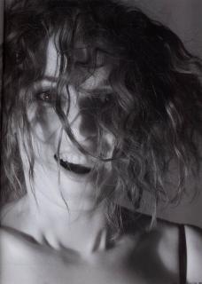 Winona Ryder [1426x2000] [292.41 kb]