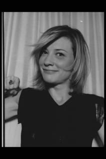Cate Blanchett [2048x3072] [374.46 kb]
