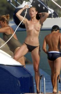 Rebecca Gayheart en Topless [1191x1800] [194.96 kb]