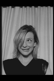 Cate Blanchett [2048x3072] [427.15 kb]