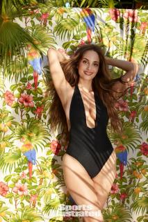 Alexa Ray Joel en Si Swimsuit 2017 [1280x1920] [599.75 kb]