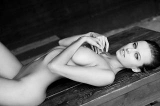 Olga de Mar Nude [2560x1703] [741.67 kb]