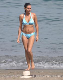 Inés Sastre in Bikini [800x1020] [88.75 kb]