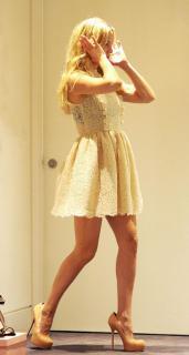 Kate Hudson [644x1200] [77.33 kb]