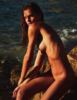 Fernanda Liz en Lui Magazine Desnuda [1238x1605] [284.92 kb]