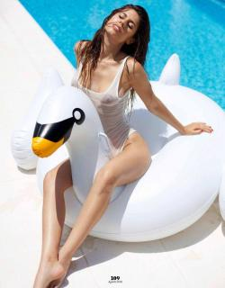 Ines Trocchia en Playboy [1016x1300] [190.12 kb]