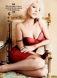 Christina Aguilera en Maxim [1600x2193] [391.39 kb]