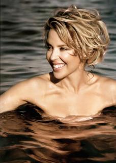 Kylie Minogue [707x989] [88.88 kb]