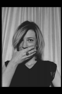 Cate Blanchett [2048x3072] [421.28 kb]