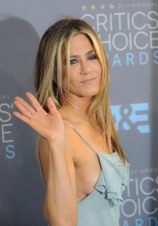 Jennifer Aniston [2100x2993] [434.85 kb]