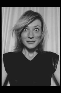 Cate Blanchett [2048x3072] [382.8 kb]